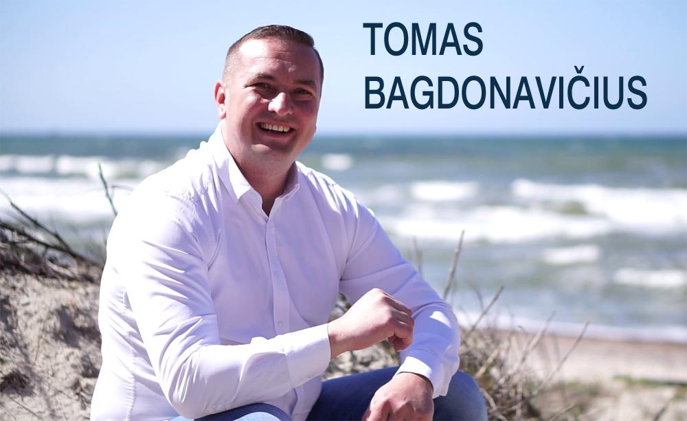 http://laisvadiena.lt/upload/25_Dainuoja-skandalingasis-TOMAS-BAGDONAVICIUS.jpg